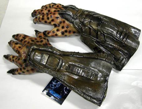 RUBIE'S製 ALIEN VS PREDATOR PREDATOR HANDS (両手)