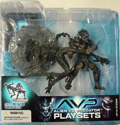 McFARLANE ALIEN VS PREDATOR SERIES 2 CELTIC PREDATOR THROWS ALIEN ブリスターヤケ&傷み特価