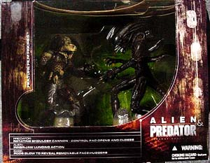 McFARLANE MOVIE MANIACS 5 ALIEN & PREDATOR DX BOX SET ワケアリ特価