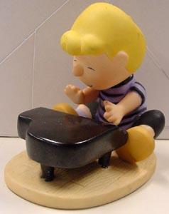 スヌーピー シュローダー陶器製 置物全高:約8センチ