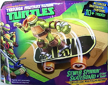 PLAYMATES NICKELODEON TEENAGE MUTANT NINJA TURTLES VEHICLE SEWER SPINNIN' SKATEBOARD & STUNT RAMP