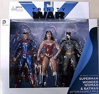 DC COLLECTIBLES NEW 52 TRINITY WAR SUPERMAN & WONDER WOMAN & BATMAN 3PACK