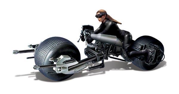 メビウスモデル 1/18スケール バットマン ダークナイトライジング キャットウーマン WITH バットポッド 組み立て式プラモデル