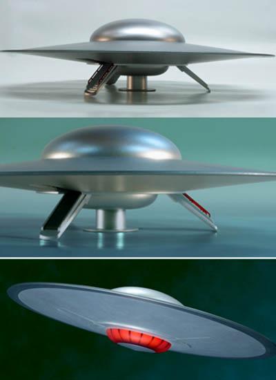 POLAR LIGHTS 1/144スケール FORBIDDEN PLANET C-57D SPACE CRUISER 組み立て式プラモデル パッケージ傷み特価