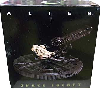 HOLLYWOOD COLLECTIBLES GROUP ALIEN SPACE JOCKEY STATUE