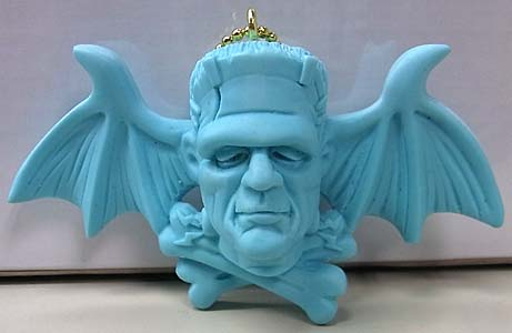 MAD SCULPTURES MASTER OF HORROR KEY CHAIN [LIGHT BLUE]
