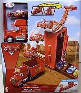 MATTEL CARS 2017 PLAYSET TRANSFORMING MACK GIFT PACK パッケージ傷み特価