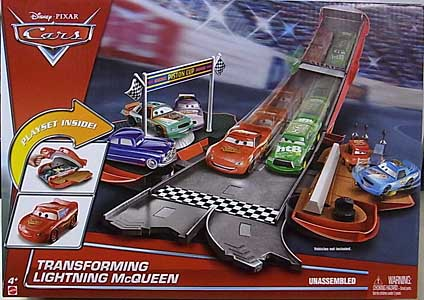 MATTEL CARS 2017 PLAYSET TRANSFORMING LIGHTNING McQUEEN