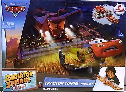 MATTEL CARS 2017 RADIATOR SPRINGS CLASSIC TRACTOR TIPPIN' TRACK SET