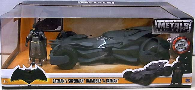 JADA TOYS METALS DIE CAST 1/24スケール BATMAN V SUPERMAN: DAWN OF JUSTICE BATMOBILE & BATMAN