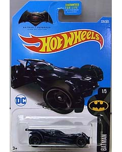 MATTEL HOT WHEELS 1/64スケール 2017 BATMAN BATMAN V SUPERMAN: DAWN OF JUSTICE BATMOBILE #329