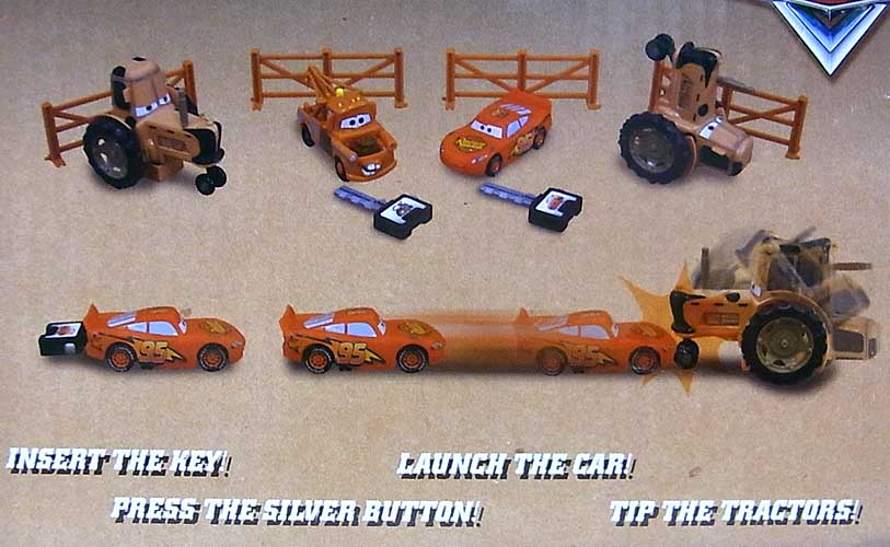 CARS USAディズニーテーマパーク限定 TRACTOR TIPPING PLAYSET WITH MATER AND LIGHTNING McQUEEN