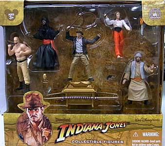 INDIANA JONES USAディズニーテーマパーク限定 COLLECTIBLE FIGURES 5PACK